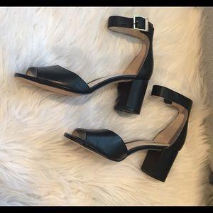 NWOB Louise et Cie Black Block Heeled Sandals
